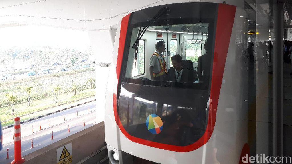 Percepat Skytrain Bandara Soetta, Rini Sempat Marahi 2 Bos BUMN Ini