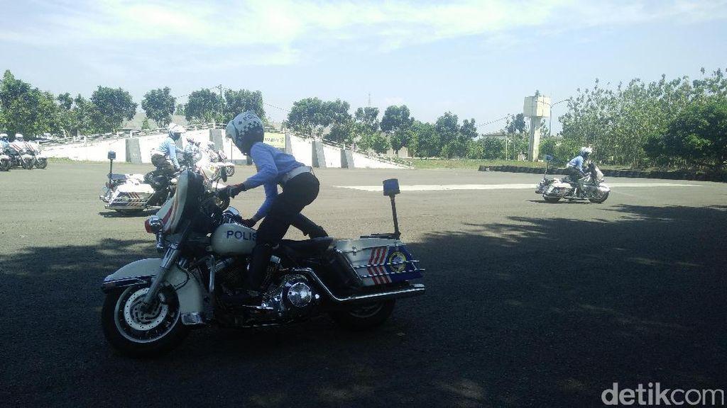 Taklukkan Harley-Davidson, Ini Kesulitan Polwan