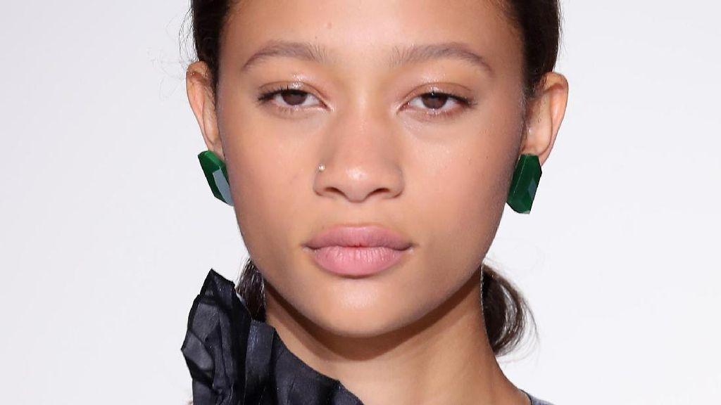 Tips Makeup untuk Mengakali Dahi Lebar Jadi Terlihat Lebih Kecil