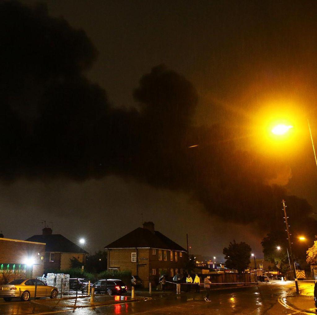 Tak Ada Korban WNI Akibat Kebakaran Dekat Tottenham Hotspur