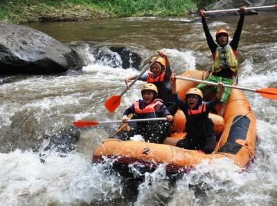 Arung Jeram di Sungai Citarik, Beneran Seru Banget!