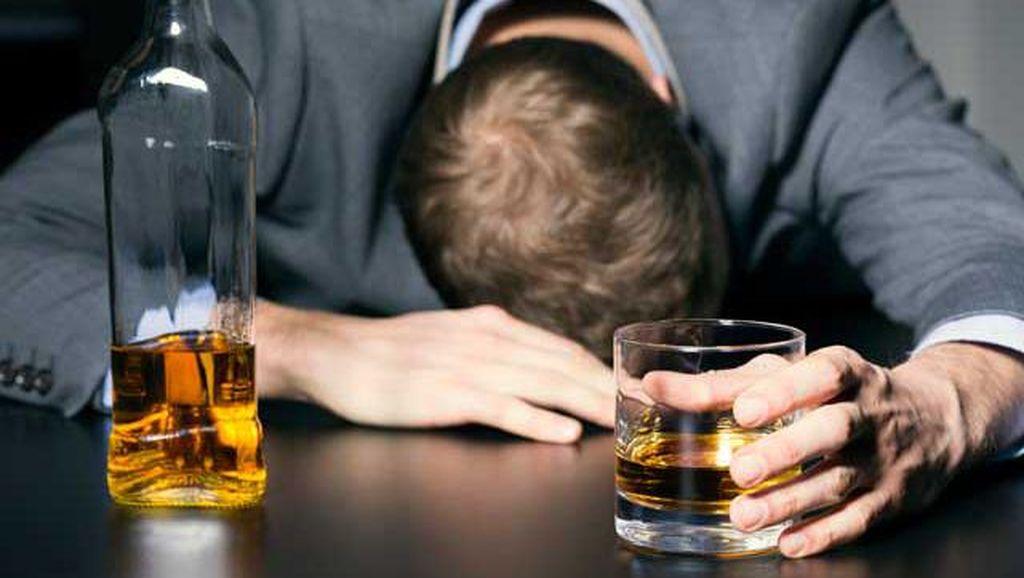 Mahasiswa Ini Tewas Setelah Ikut Tantangan Minum 6 Koktail dalam 3 Menit!