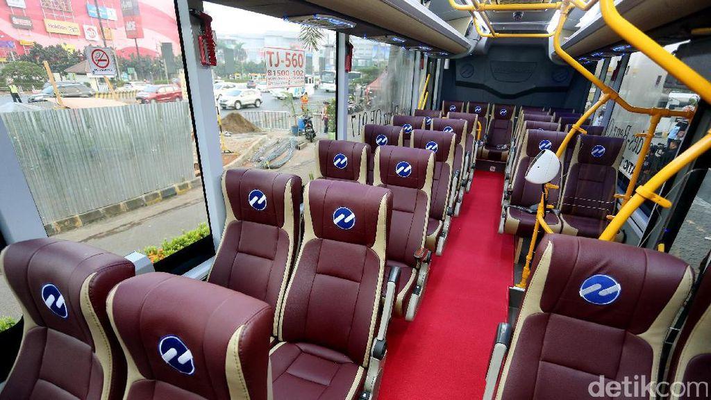 Foto: Mewahnya Bus Premium Transjabodetabek