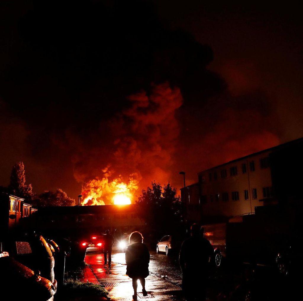 Kebakaran Dekat Tottenham Hotspur, 140 Petugas Pemadam Dikerahkan