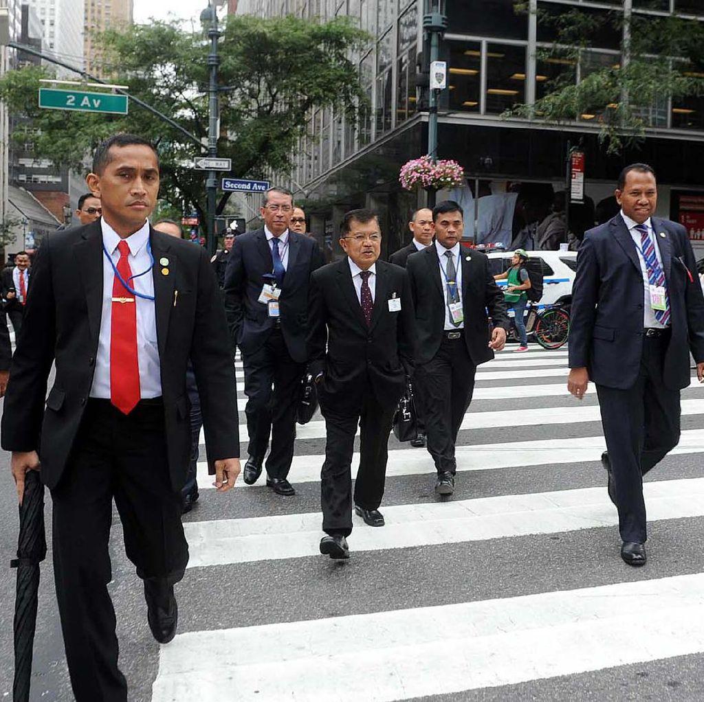 Wapres JK Jalan Kaki ke Markas PBB