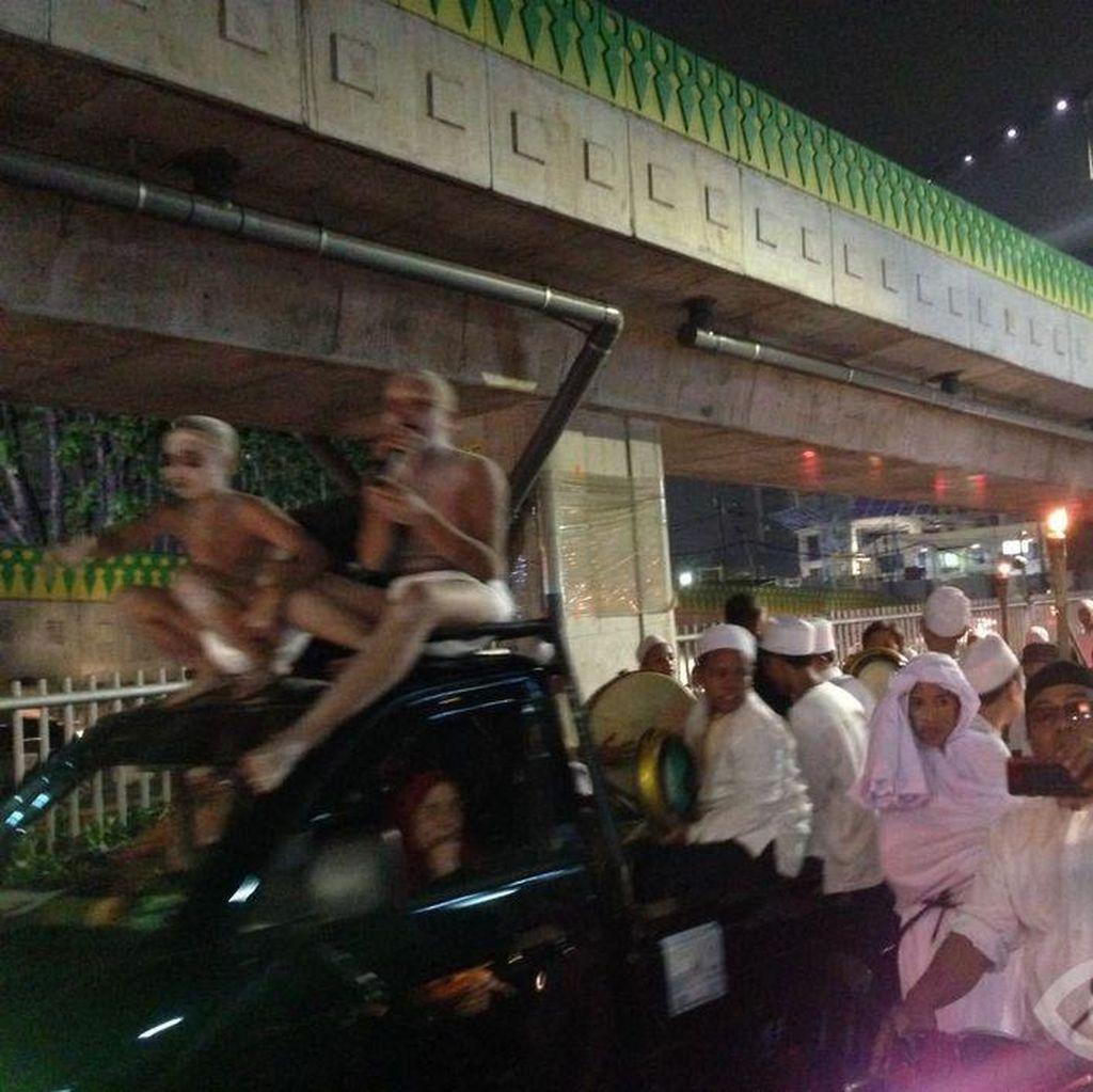 Sambut Tahun Baru Islam, Warga di Sejumlah Lokasi Pawai Obor