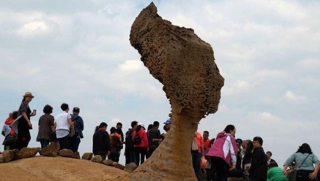 Foto: Batu yang Mirip Kepala Ratu Elizabeth