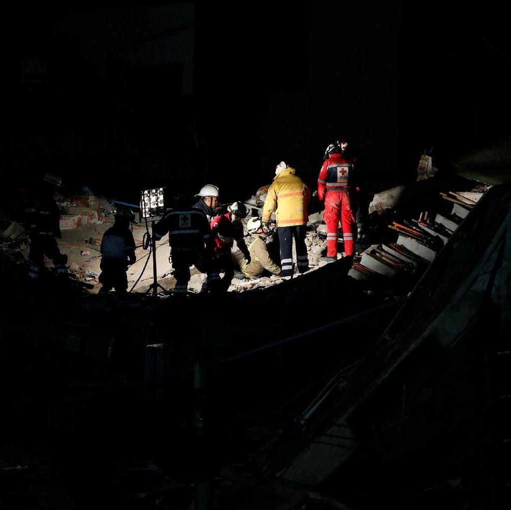 Gempa Meksiko Tewaskan 216 Orang, Petugas Sisir Reruntuhan Sekolah