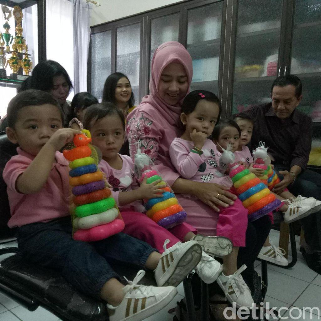 Lucunya Bayi Kembar 5 Ini Imunisasi MR di RSU Soetomo