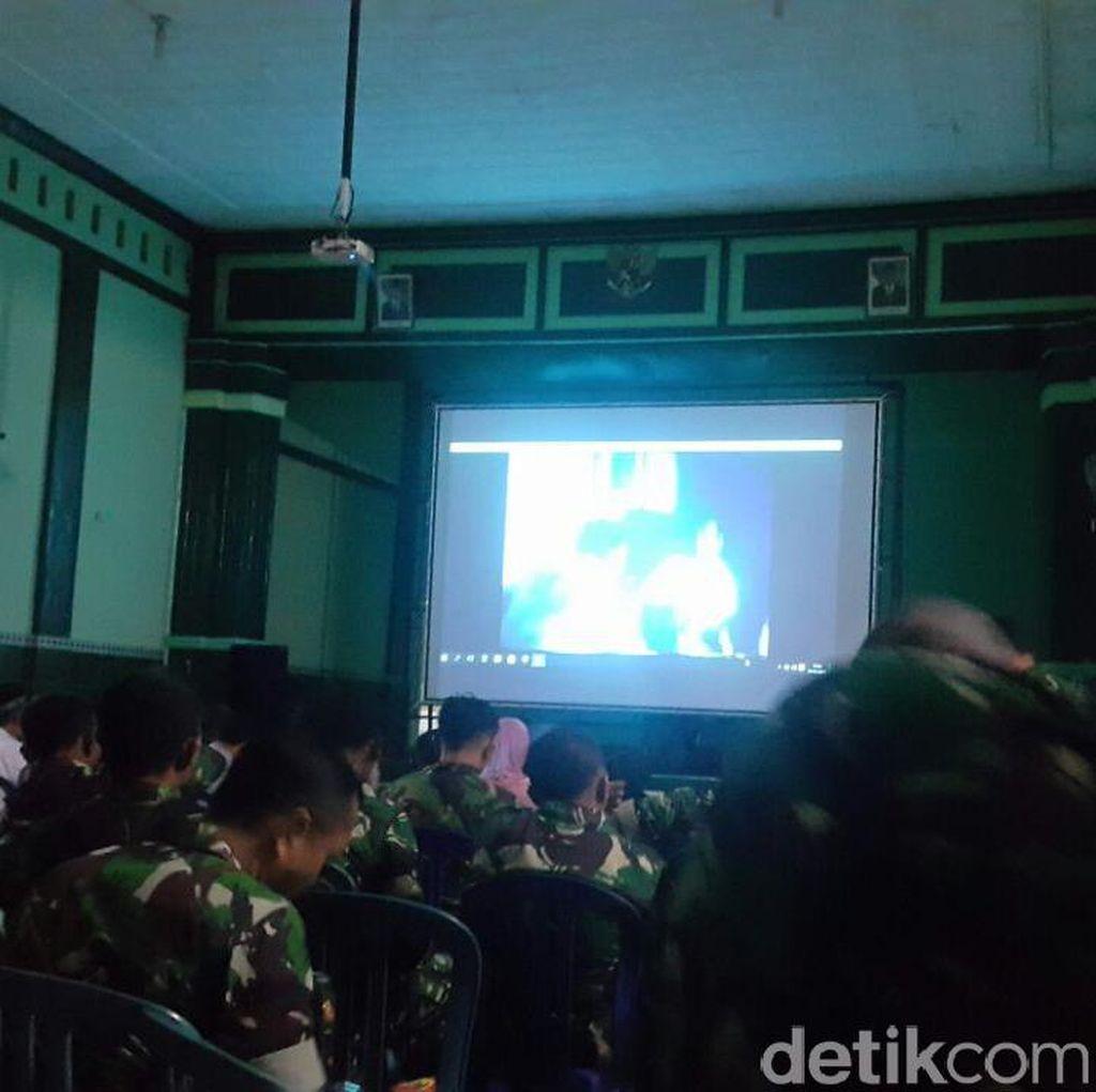 Kodim Madiun Nobar Film Penghianatan G30S/PKI