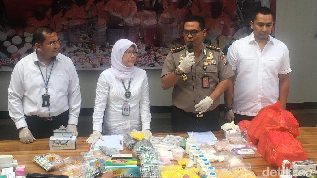 Polisi Temukan Peredaran PCC di Toko Obat di Jakarta