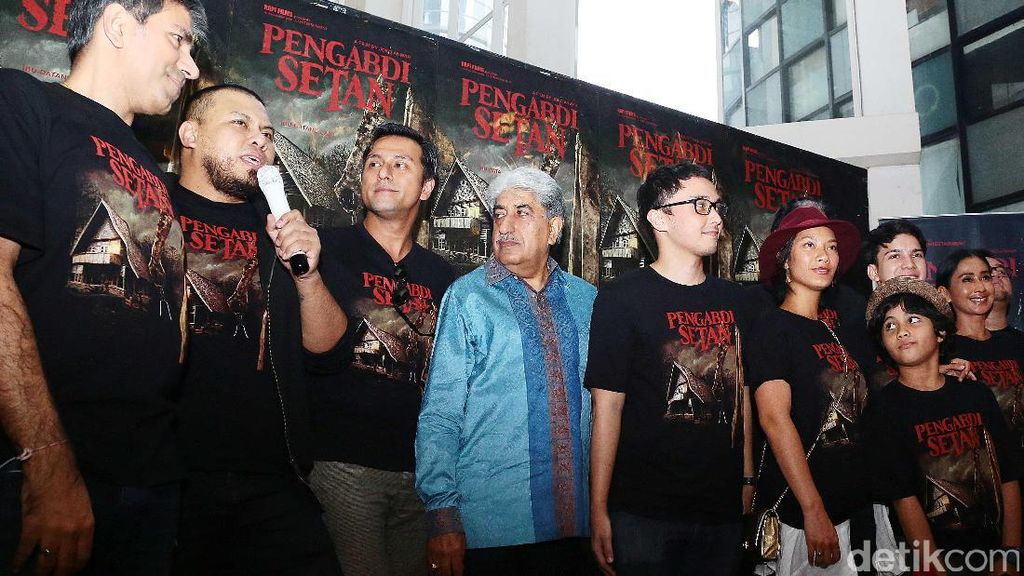 Main Film Horor Pengabdi Setan, Rambut Dimas Aditya Gondrong