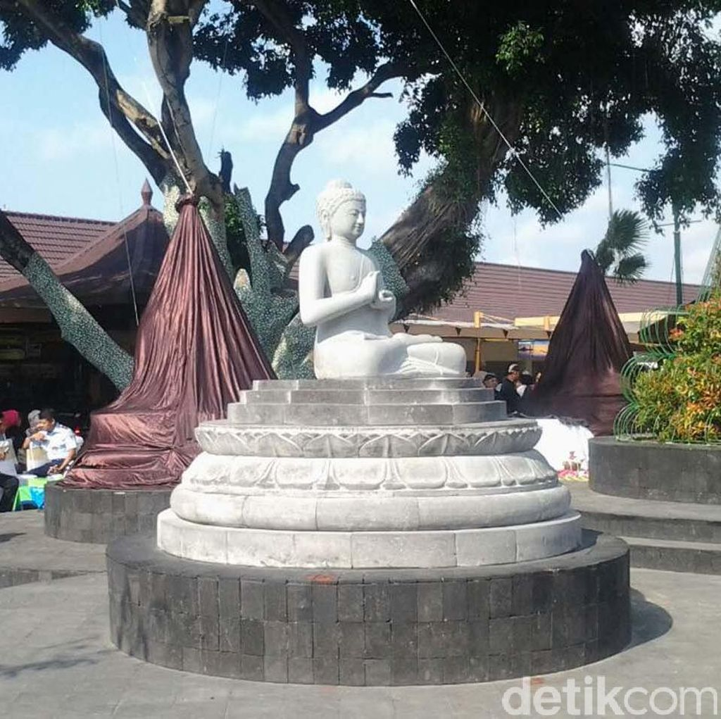 Ada Stupa Buddha di Bandara Adisutjipto Yogyakarta