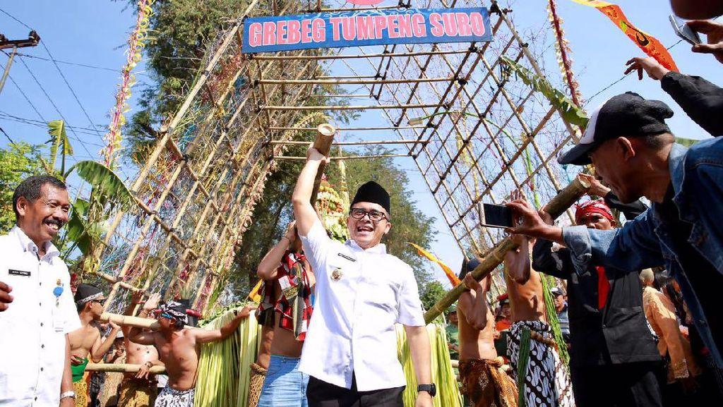 Sambut Suro, Tumpeng Raksasa Diarak di Dusun Pekulo Banyuwangi