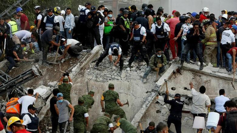 Trump Sebut AS Akan Selalu Ada untuk Meksiko Usai Gempa 7,1 SR