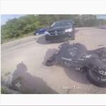 Tantang Polisi dan Terobos Lampu Merah, Pemotor Ini Kena Batunya