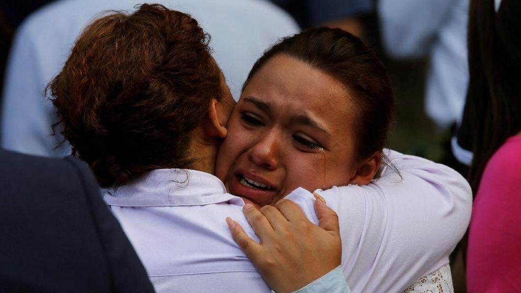 Wajah-wajah Cemas Warga Meksiko yang Diguncang Gempa 7,1 SR