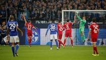 Bayern Tumpas Schalke untuk Puncaki Klasemen