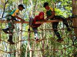 Melihat Keseruan Outbond Anak di Mayonif Raider 514 Kostrad