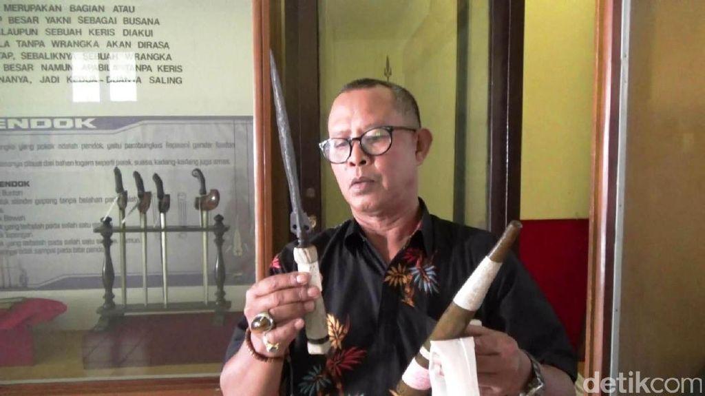 Jelang 1 Sura, Warga Purworejo Ramai-ramai Menjamas Pusaka di Museum