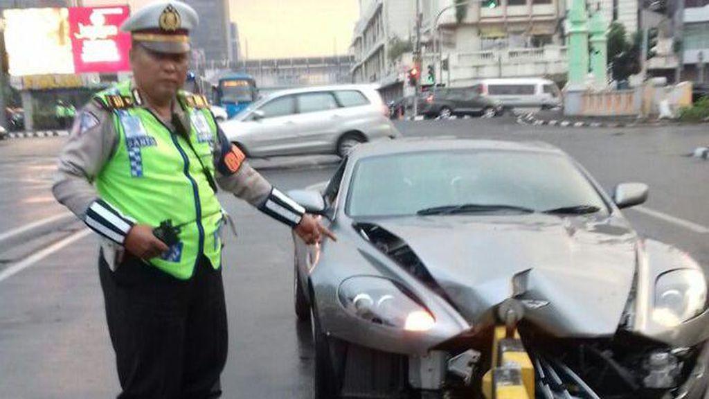 Kecelakaan Mobil karena Pengemudi Meleng DItanggung Asuransi?