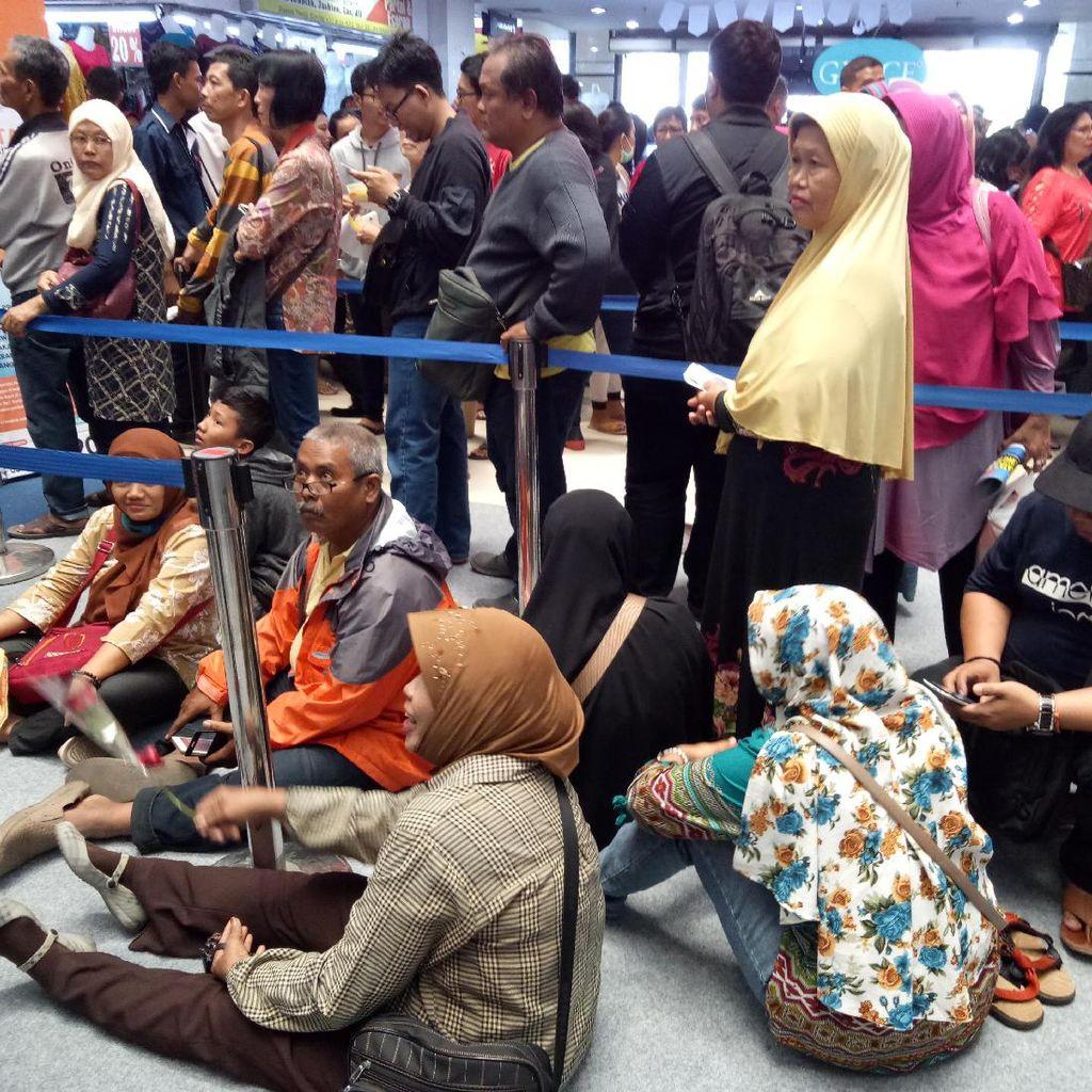 Penjualan Tiket Kereta Murah Diserbu, Rela Antre Berjam-jam