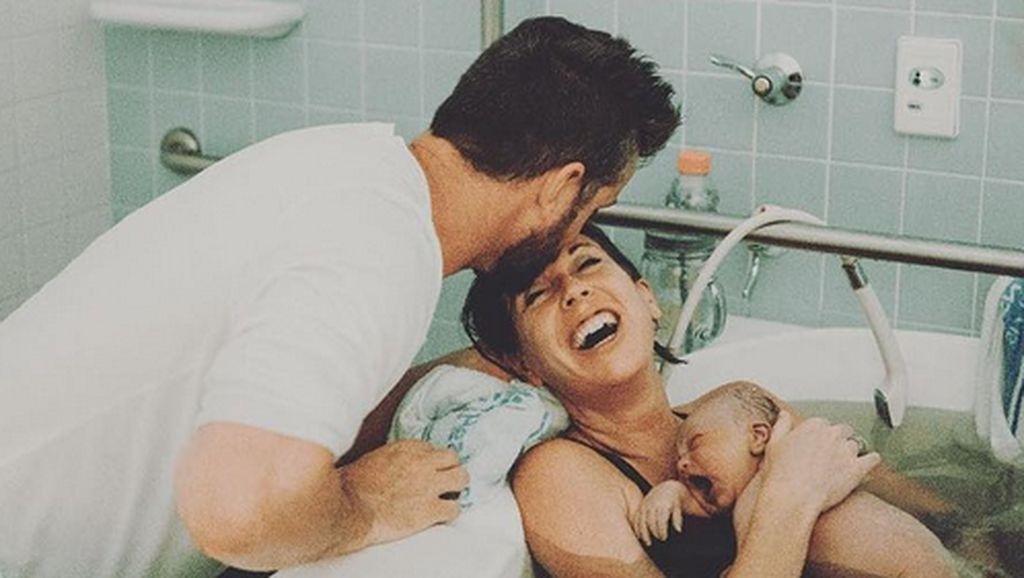 Foto: Adem! Senyum Bahagia Seorang Ibu Setelah si Kecil Lahir