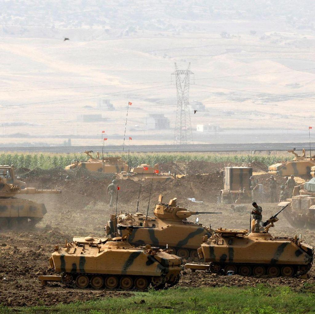 Melihat Latihan Tentara Militer Turki