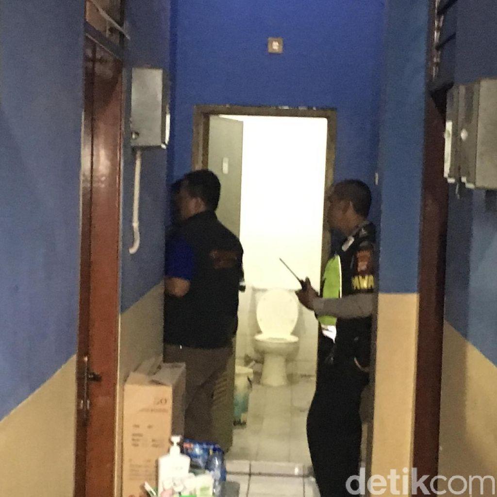 Mayat Wanita di Kos-kosan di Jakbar Dibawa ke RS untuk Diautopsi
