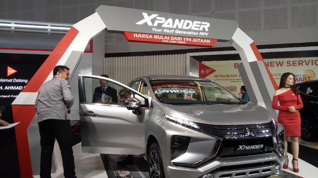 Mitsubishi Xpander Bikin Warga Surabaya Penasaran