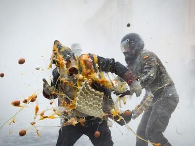 Foto: Perang Telur & Tepung Terigu ala Spanyol