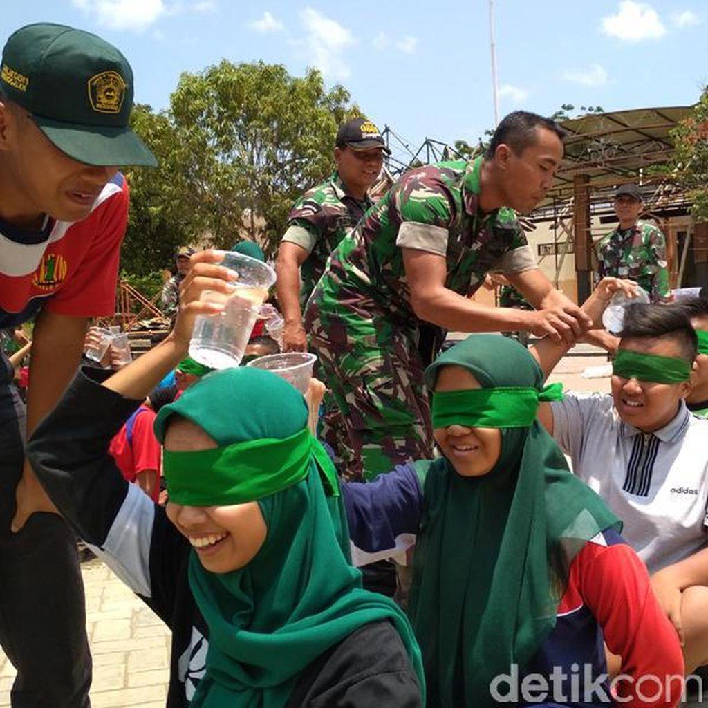 TNI Ajarkan Wawasan Kebangsaan dengan Ikut Outbound