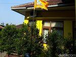 Bendera Golkar Setengah Tiang Berkibar di DPD Cianjur dan Garut