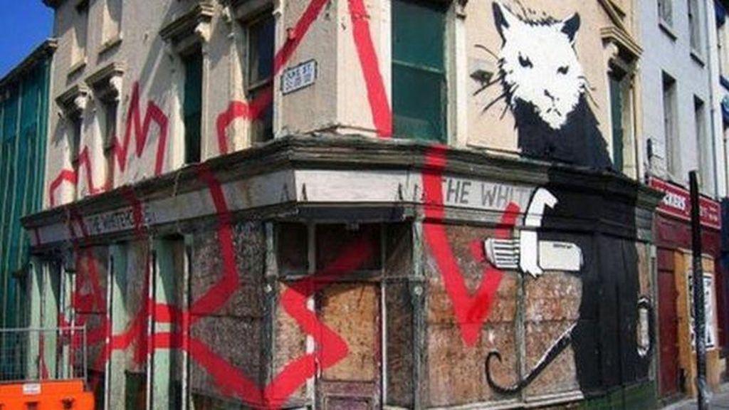 Lima Mural Banksy di Liverpool Laku Terjual Rp 57 M