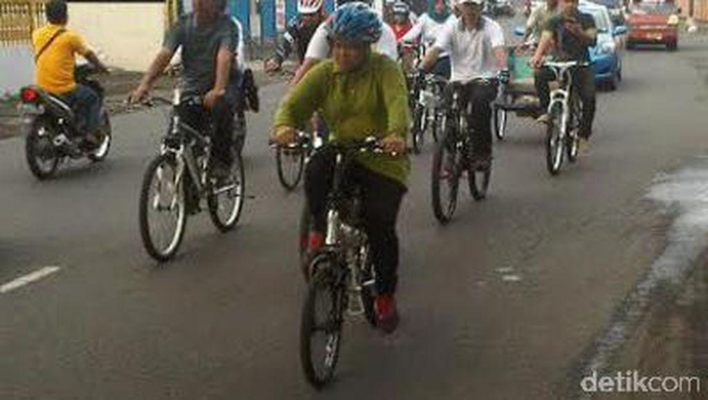Wow, Setiap Jumat PNS Pemkot Surabaya Wajib Naik Sepeda Onthel