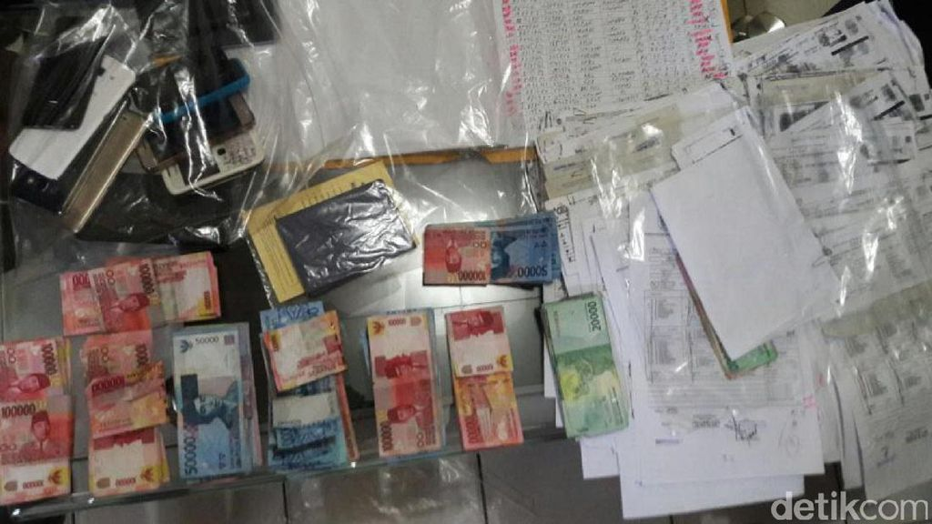 Diduga Pungli, Satu Pegawai Imigrasi Sukabumi dan 2 Calo Diamankan