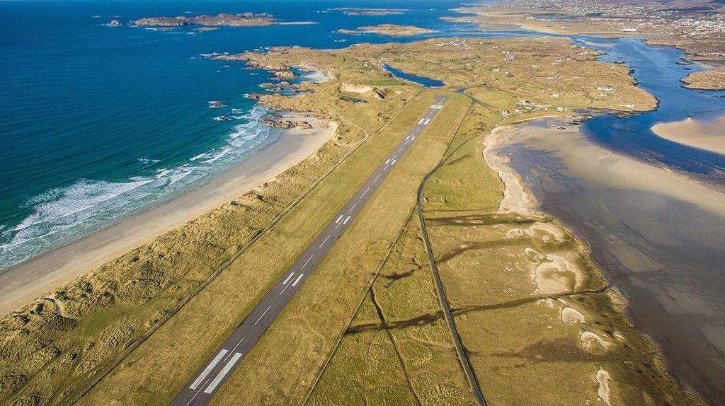 Foto: Tempat-tempat Pesawat Mendarat Paling Indah
