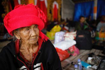 Status Gunung Agung Awas, Warga Mulai Mengungsi