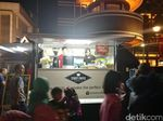 110 Mobil Toko Mejeng Botram di Jalan Asia Afrika