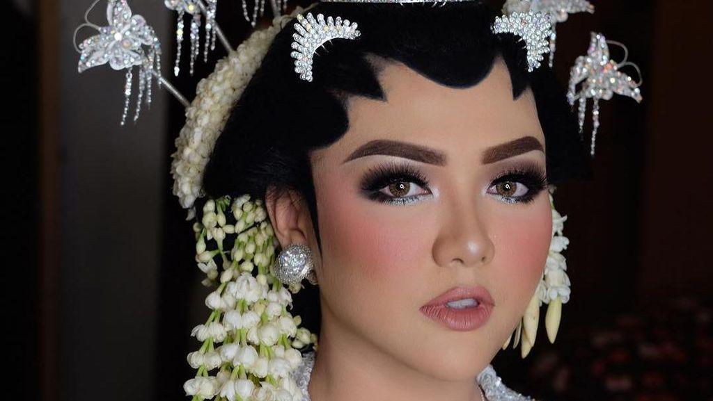 Usai Raisa dan Bella, Pernikahan Vicky Shu Juga Menuai Banyak Komentar