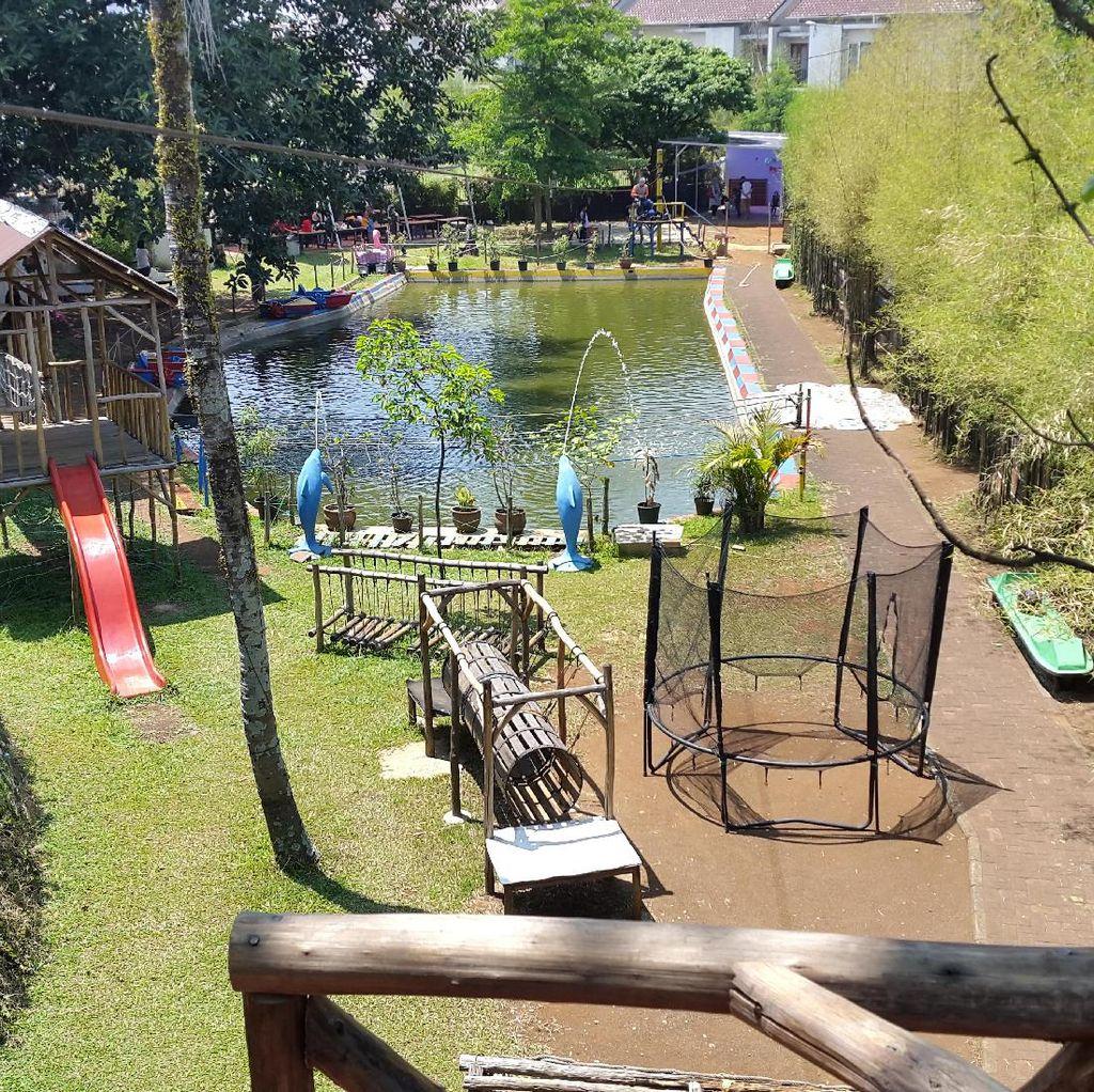 Foto: Halaman Belakang yang Seru di Bandung
