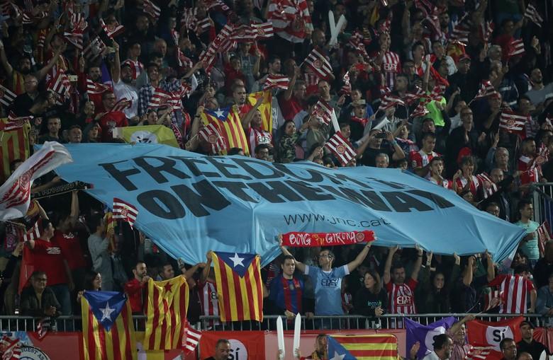 Meski TPS Ditutup, Warga Catalonia Tetap Antre untuk Referendum