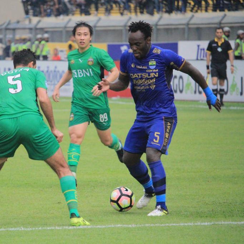 Gol Essien Selamatkan Persib dari Kekalahan Saat Menjamu Bhayangkara FC