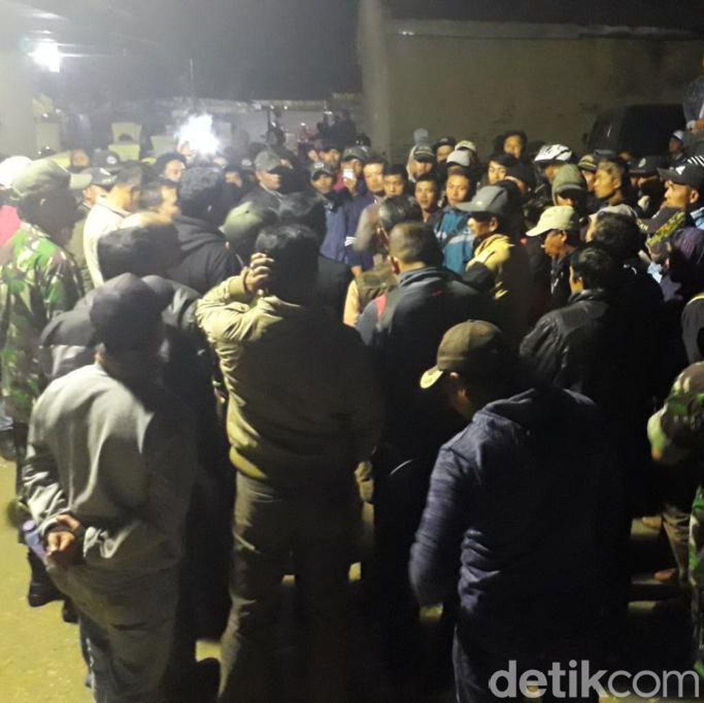 5 Warga Ditangkap Polisi, Warga Patengan Geruduk Mapolsek Ciwidey