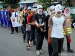 Karnaval Pelajar Kostum Unik Ramaikan HUT Polantas Cianjur