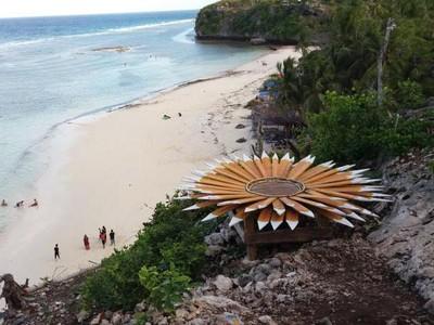 Satu Lagi Pantai yang Cantik di Sulawesi Selatan