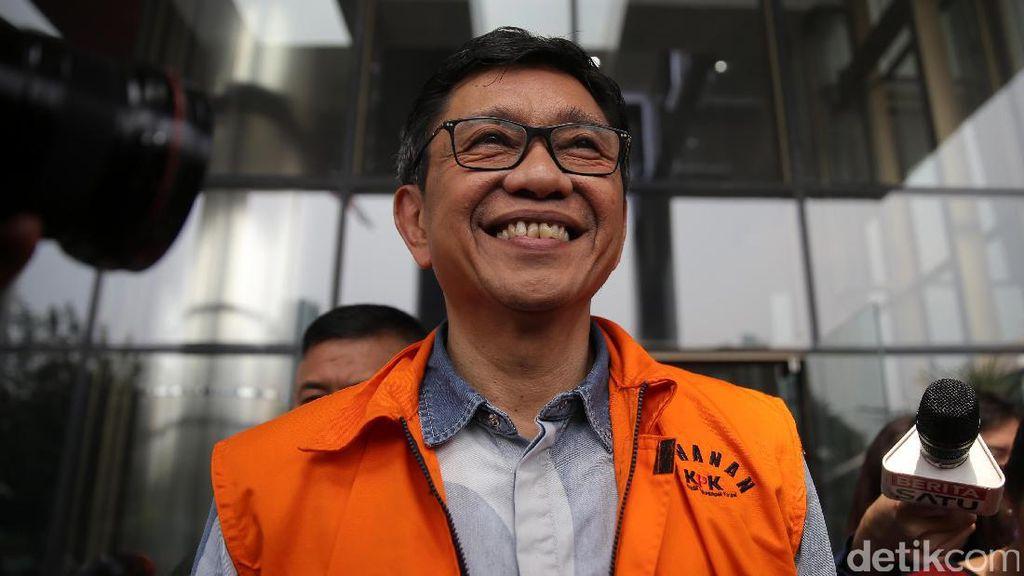 Wali Kota Batu Eddy Rumpoko Jalani Pemeriksaan
