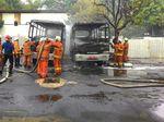 3 Bus Terbakar di Halaman Parkir Kemenkeu