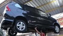 Mobil Jatuh dari Hidrolik Cuci Mobil, Asuransinya Bisa Diklaim?