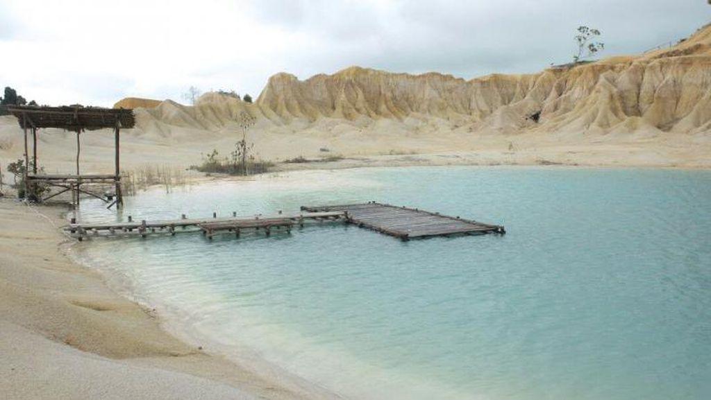 Bintan Punya Danau Biru dan Gurun Pasir